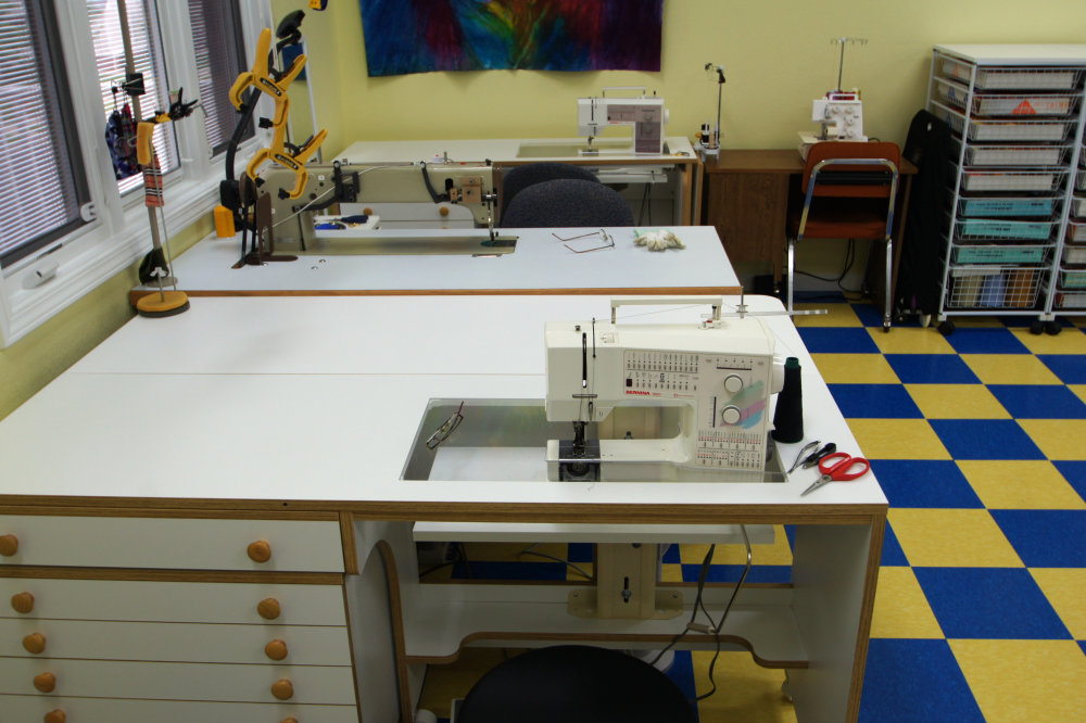 Tour Of Caryl Bryer Fallert's Private Sewing And Design Studio Awesome How To Set Up A Sewing Machine Table